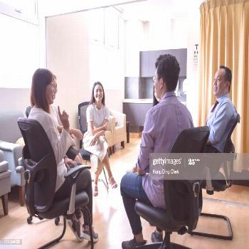 A Group Of Doctors Having Discussion With Smiling Face In Doctors Office At Hosp ,