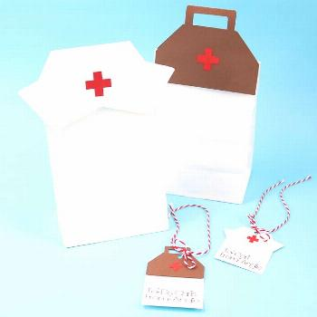 Give thank you gifts for hospital staff with our free healthcare SVG file! Make gift bags and tags