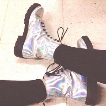 shoes boots metallic metallic shoes tumblr grunge grunge girl tumblr girl drmartens doc martins hol