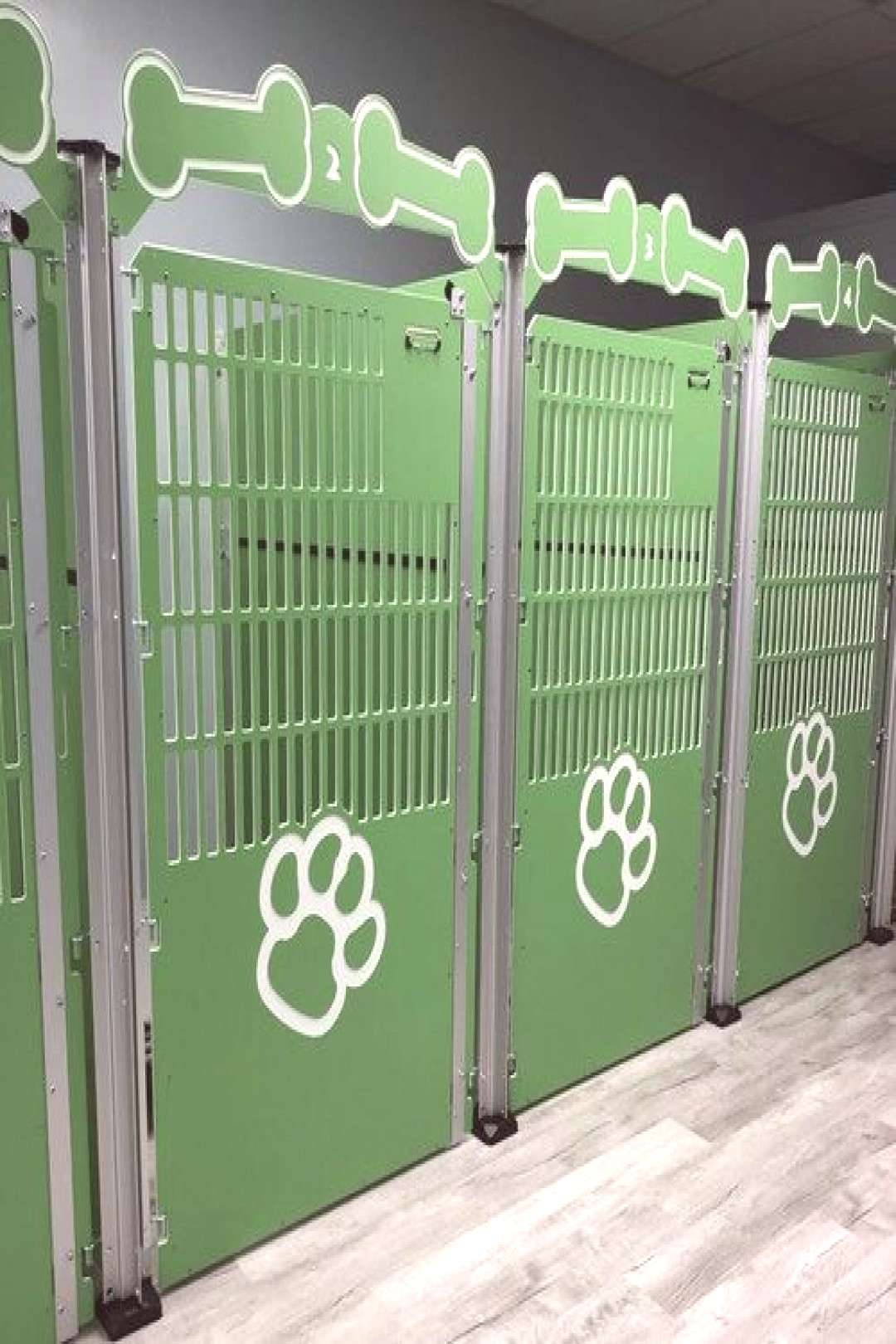 Custom Dog Kennel Gates | Commercial Kennels | Gator Gates | Gator Kennels