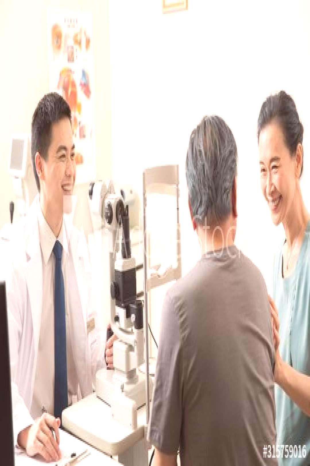 Doctors give patients eyes checked ,