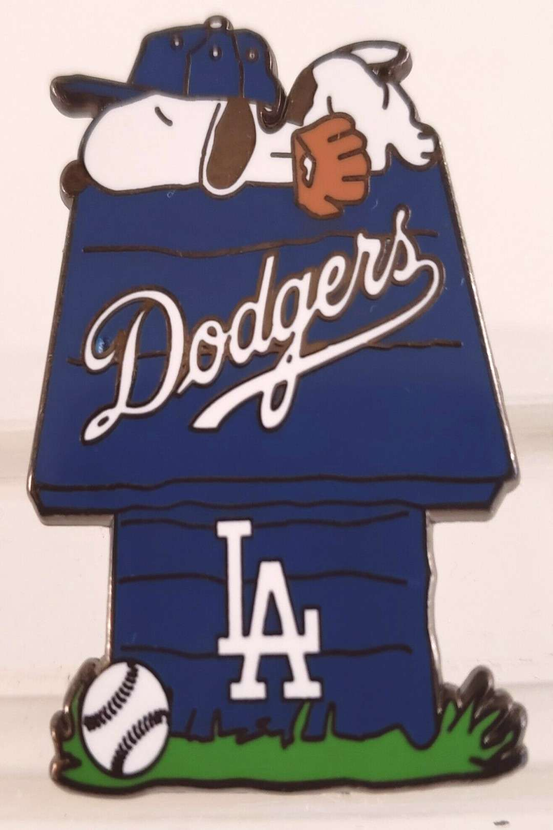 LOS ANGELES DODGERS SNOOPY DOGHOUSE PIN-GREAT GIFT IDEA! Free Shipping! - $14.90 | PicClick